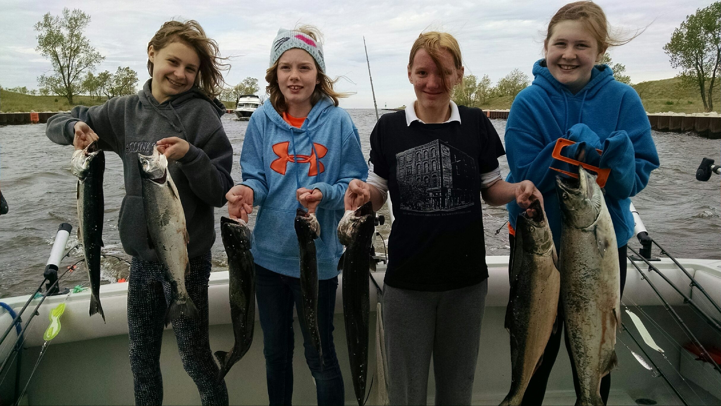 Salmon it the classroom west michigan charter fishing for Grand haven fishing report